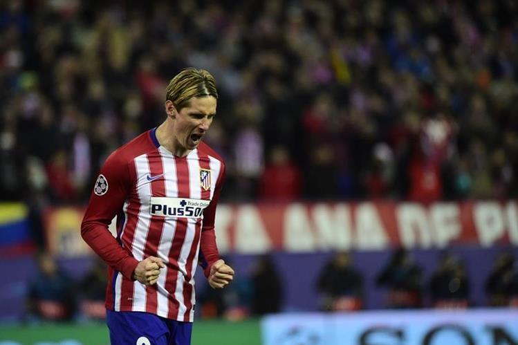 Fernando Torres durante el encuentro de la Champions League en el Vicente Calderón. (Foto Prensa Libre: AFP)