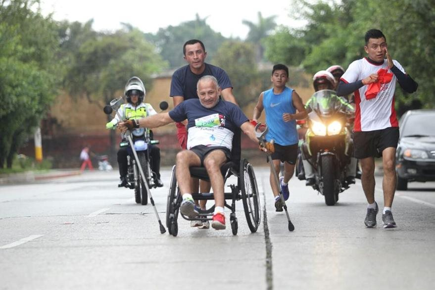 Pese a sus discapacidades corredores demostraron su fuerza de voluntad (Foto Prensa Libre: Erick Ávila)