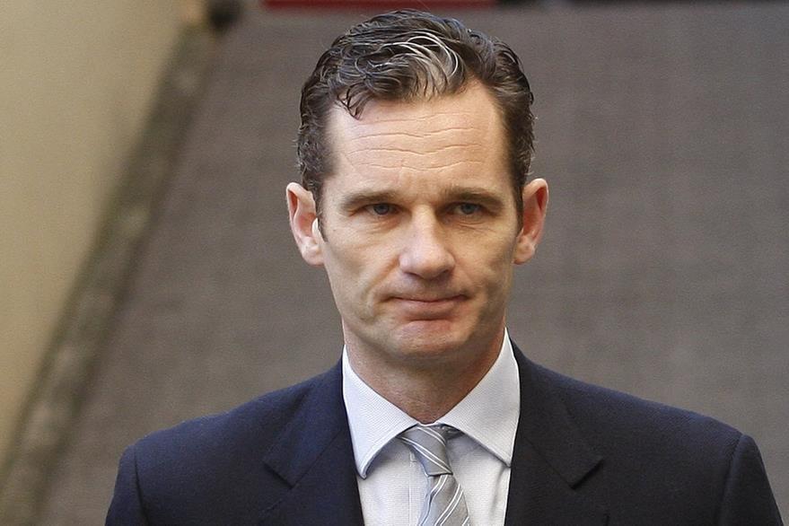 Inaki Urdangarin llega al tribunal durante un juicio de corrupción en Palma de Mallorca.(AP).