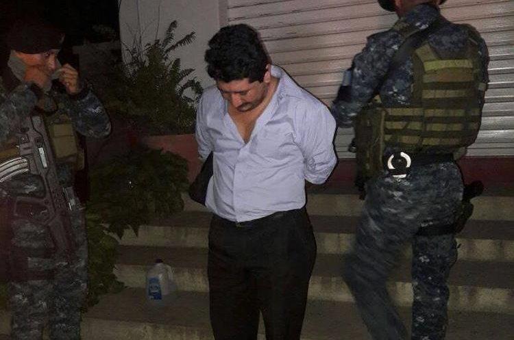 Valentín Villatoro Tánchez, 33, manejaba la camioneta donde fueron localizados los paquetes con dólares. (Foto Prensa Libre: PNC).