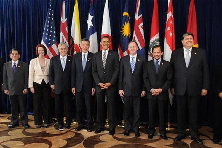 Los líderes mundiales en la cumbre donde firmaron el acuerdo Transpacífico. (Foto Prensa Libre: actualidad.rt.com)