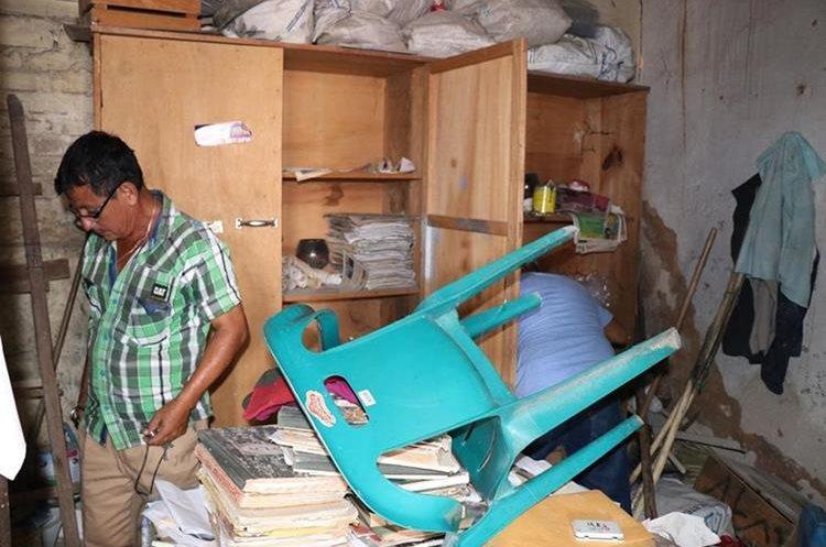 Trabajadores se percataron de lo sucedido este miércoles en la mañana. (Foto Prensa Libre: Mario Morales)