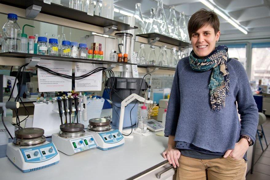 Microbióloga Zaloa Bravo, investigadora en el Departamento de Inmunología, Microbiología y Parasitología de la universidad del País Vasco. (Foto Prensa Libre, tomada del sitio de esa universidad)
