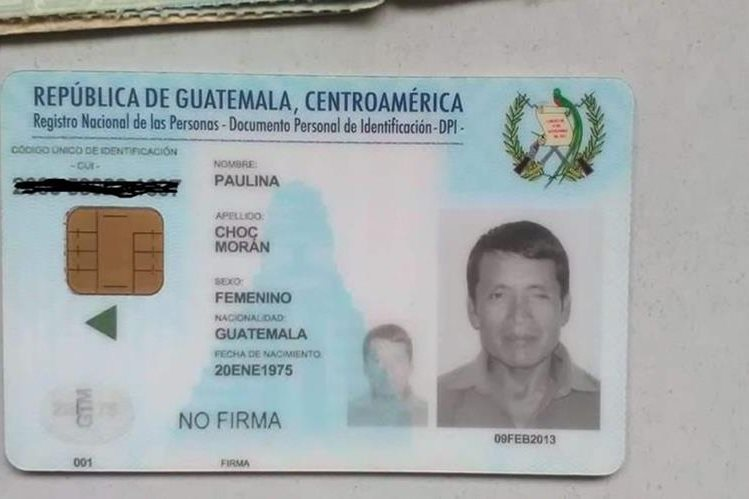 DPI que fue entregado con datos equivocados, en Alta Verapaz. (Foto Prensa Libre: Eduardo Sam).