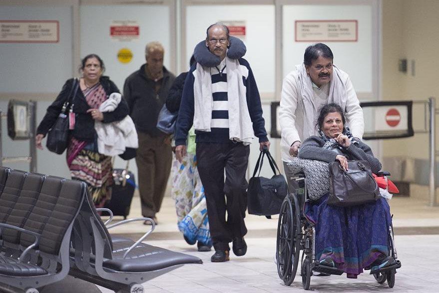 Varios pasajeros de Air France fueren afectados. (Foto Prensa Libre:AP)