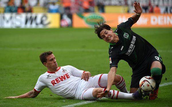El Colonia perdió ante el Hanóver en la fecha 9 de la Bundesliga alemana. El duelo fue bastante parejo y apretado. (Fotos Prensa Libre: AFP)