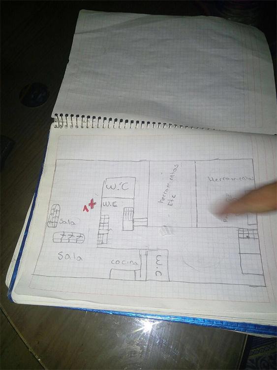 Este es el cuaderno donde el adolescente de 17 años hizo las anotaciones de su malévolo plan. (Foto: PGJ/México).