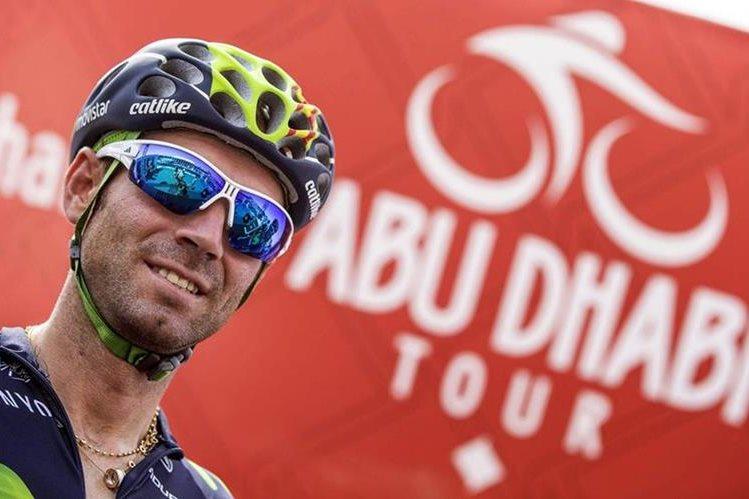 El ciclista español Alejandro Valverde del Movistar durante su reciente participación en elTour de Abu Dabi. (Foto Prensa Libre: EFE)