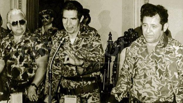 Francisco Gordillo (a la derecha) fue parte del triunvirato militar que tomó el poder en 1982 junto a Efraín Ríos Mont y Horacio Maldonado Schaad. (Foto: Prensa Libre)