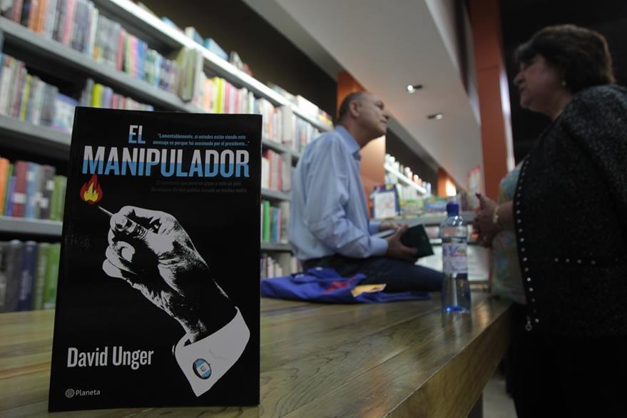 El libro El manipulador se basa en el caso Rosenberg ocurrido en 2009. (Foto Prensa Libre: Ángel Elías)