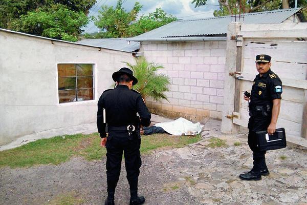 Sujetos dieron  muerte a ganadero en San Antonio La Paz, El Progreso. (Foto Prensa Libre: Hugo Oliva)