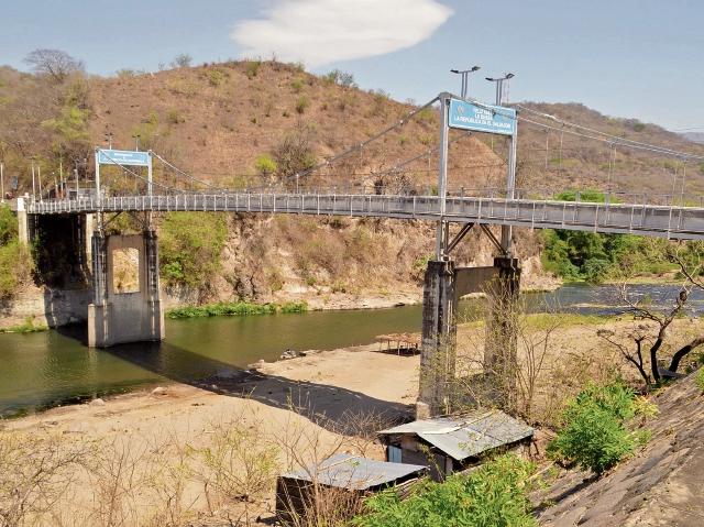 El paso por el puente El Jobo está restringido, debido al colapso que padeció la estructura hace dos años.