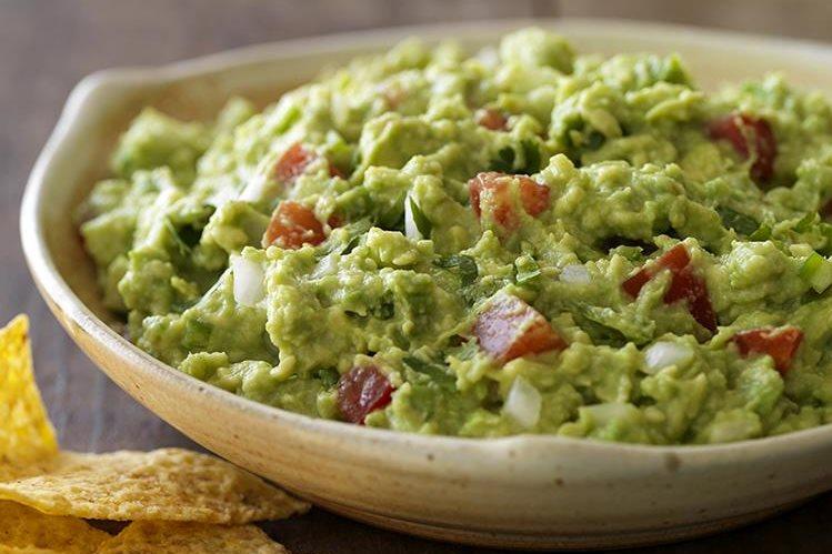 """Cada persona y cada familia tiene su propia definición de """"mejor guacamole"""", ya que este es un platillo muy versátil que permite la experimentación con diversos ingredientes. (Foto Prensa Libre: California Avocado)."""
