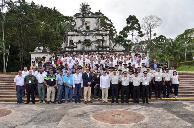 Luis Arreaga,embajador de EE. UU. reconoció los logros del programa, Comisarías Modelo, y los citó como un ejemplo regional para fortalecer la seguridad comunitaria. (Foto Prensa Libre: Dony Stewart)