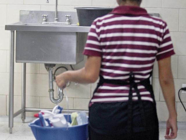 La mayoría de empleadas del hogar no llega a cursar ni el tercer grado de primaria.