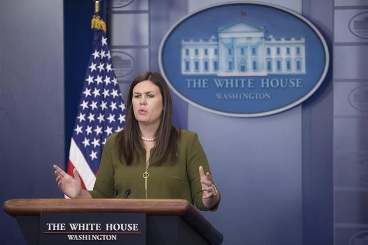 Otra tormenta en la Casa Blanca: renunció el vocero presidencial