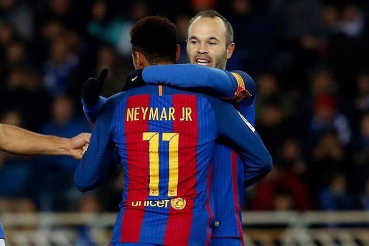 El brasileño Neymar está de regreso con el Barcelona después de cumplir sus tres partidos de suspensión, mientras que Iniesta está en duda. (Foto Prensa Libre: Hemeroteca)