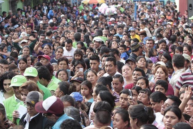 Los candidatos presidenciales prometieron combatir la corrupción. (Foto Prensa Libre: HemerotecaPL)