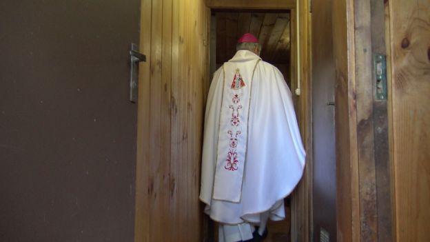 El futuro del obispo Barros está en manos del Vaticano. (Foto: Francisco Jiménez de la Fuente)