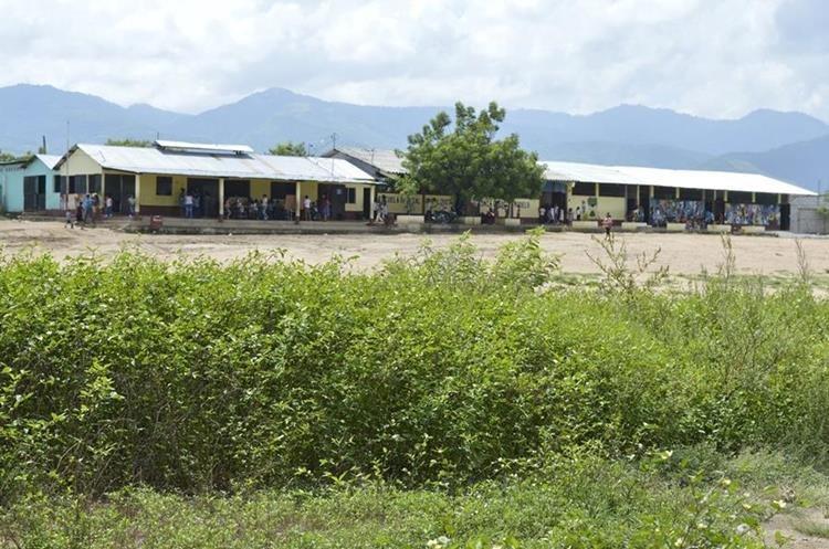 La escuela de Pueblo Modelo fue construida en el 2005. (Foto Prensa Libre: Mario Morales)