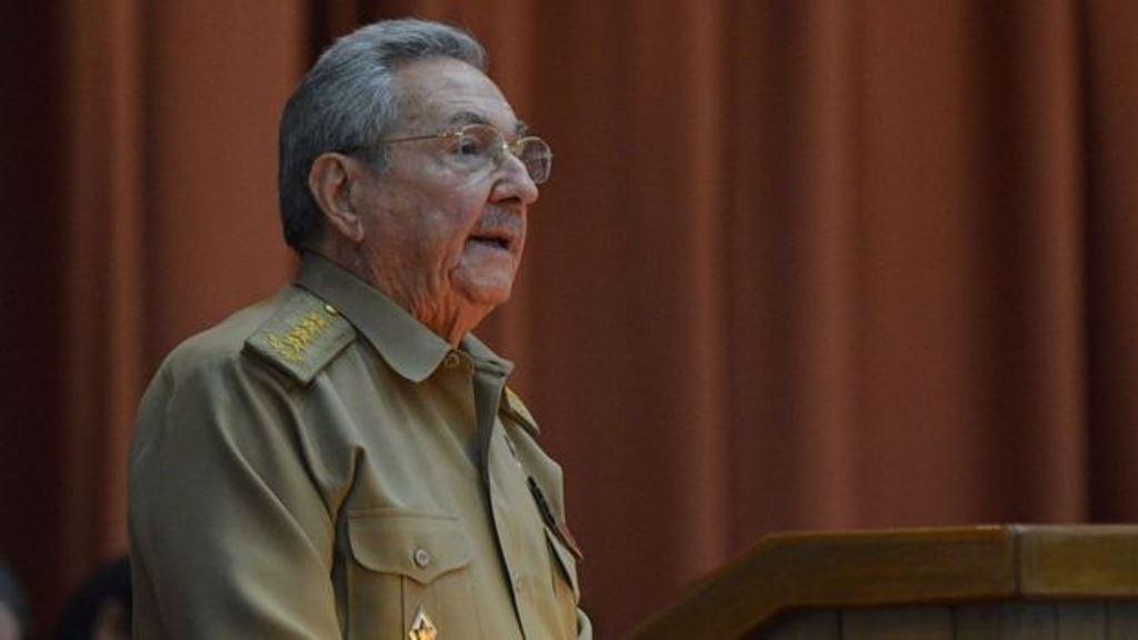 Raúl Castro advirtió de dificultades económicas. AFP