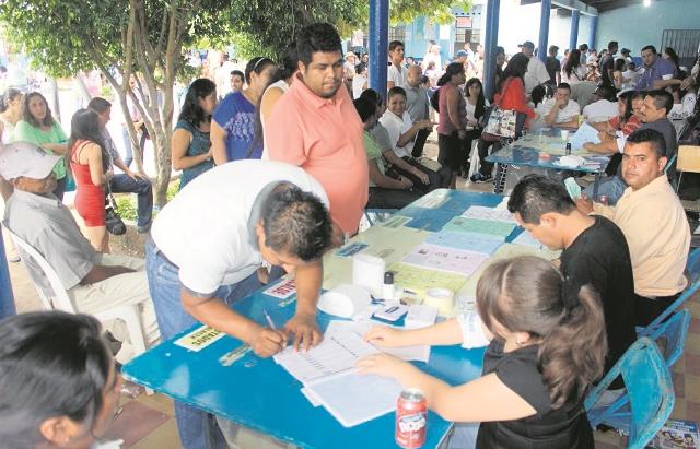 Para las elecciones del 2019 los migrantes podrán emitir el sufragio para Presidente y Vicepresidente. (Foto Prensa Libre: Hemeroteca PL)