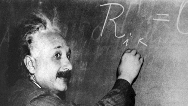 Muchos de sus colegas en el mundo científico tardaron en entender los cálculos de la teoría de la relatividad de Einstein. AFP