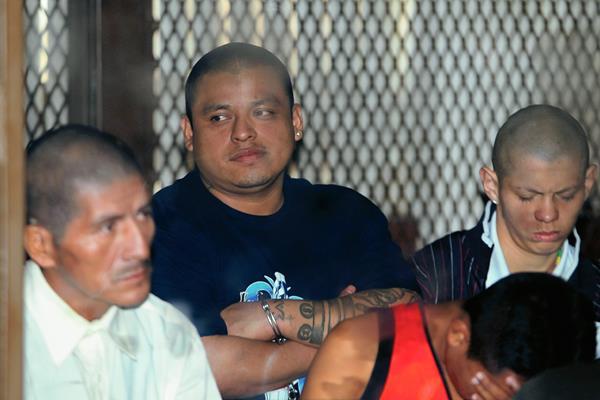 Los 12 supuestos pandilleros son señalados de integrar una red que operaba en distintos departamento, incluyendo Suchitepéquez. (Foto Prensa Libre: Erick Ávila)