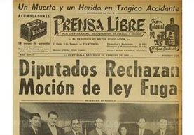 Portada de Prensa Libre que informaba sobre la moción de la Ley fuga. 20/02/1965. (Foto: Hemeroteca PL)