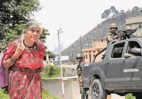 Ejército patrulla Ixchiguán, San Marcos. (Foto Prensa Libre: Estuardo Paredes)