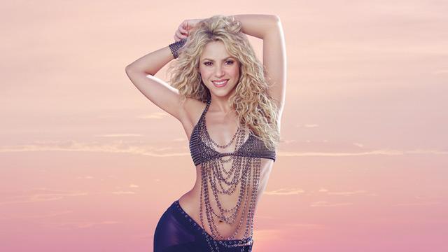 Shakira se ha destacado por su marcada figura y sus caderas. Ahora los seguidores la critican por tratar de alargar su cuello en Photoshop. (Foto Prensa Libre: Taquilla).