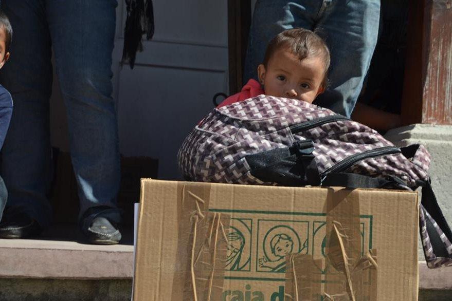 Más de mil cajas con víveres serán entregadas a familias de escasos recursos.( Foto Prensa Libre: Mauricio Betancourt)