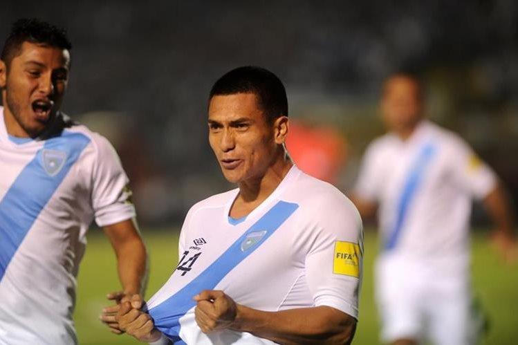 Rafa Morales celebra el primer gol de Guatemala contra Estados Unidos. (Foto Prensa Libre: Eduardo González).