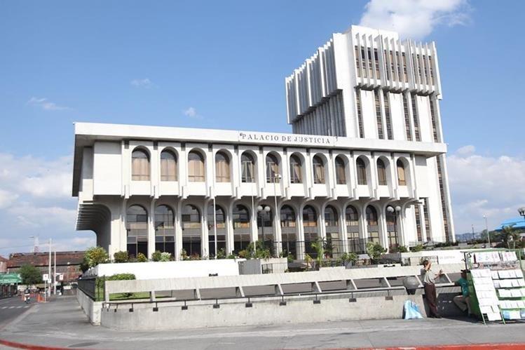 Mañana entran en vigencia las reformas a la Ley de Carrera Judicial, aprobadas por el Congreso el 26 de septiembre. (Foto Prensa Libre: Hemeroteca PL)