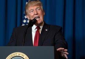 Donald Trump, hace una declaración sobre Siria en West Palm Beach, Florida. (Foto Prensa Libre:AFP).