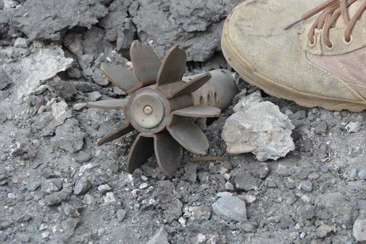 """Imagen referencial. El hombre preparaba un """"zapato bomba"""" para cometer un atentado. (Foto Prensa Libre: AFP)."""