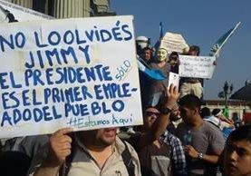 Ciudadanos envían mensajes al presidente de la República. (Foto Prensa Libre: Álvaro Interiano)