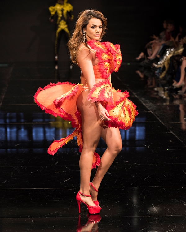 Virginia Argueta modelo en Los Angeles Fashion Week. (Foto Prensa Libre: Mark Méndez)