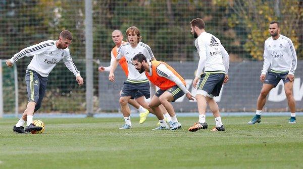 Los jugadores del Real Madrid se entrenaron en la Ciudad de Valdebebas. (Foto Prensa Libre: RealMadrid.com)