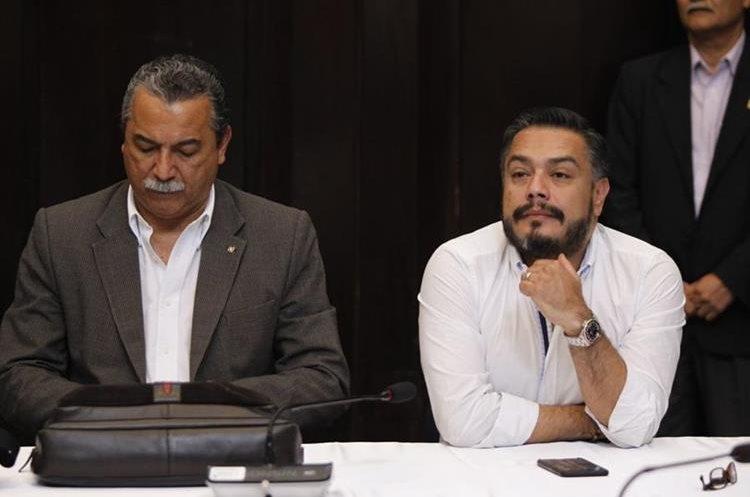 Javier Hernández, jefe de la bancada FCN-Nación, durante la reunión de jefes de bloque. (Foto Prensa Libre: Paulo Raquec)