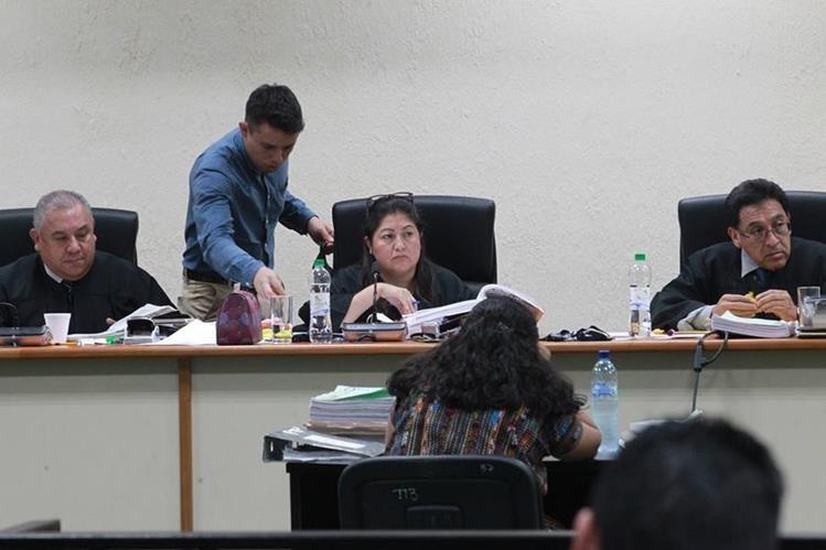 Tribunal deberá decidir si acepta la reposición de un disco extraviado, el cual contenía el análisis de una parte del informe, incluido como medio de prueba. (Foto Prensa Libre: Hemeroteca PL)
