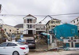 15 muertos se registran en el Caribe por el paso del Huracán Irma que sigue afectando la región. (Foto Prensa Libre: AFP)
