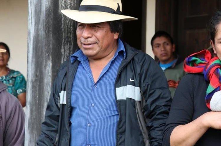 Juan Zapeta habla sobre la denuncia en su contra y pide a la población su apoyo. (Foto Prensa Libre: Héctor Cordero)