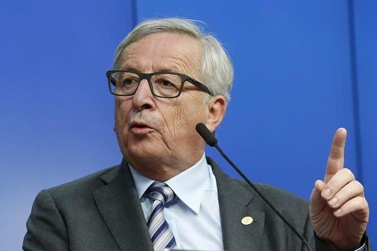 El presidente de la Comisión Europea, Jean-Claude Juncker, ha sido criticado ha sido criticado por la Prensa británica por sus errores al hablar en inglés. (Foto Prensa Libre: EFE).
