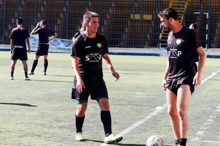 Deportivo Petapa se entrenó esta mañana en el estadio Julio A Cobar. (Foto Prensa Libre: Edwin Fajardo)