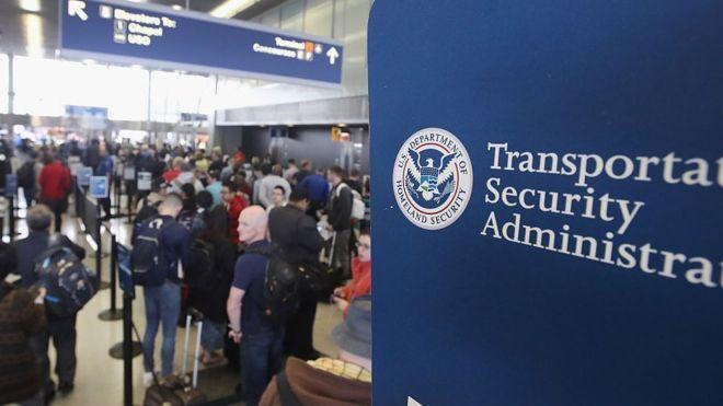 A partir de ahora, muchos de quienes quieran entrar en Estados Unidos tendrán que proporcionar su historial en las redes sociales en los últimos cinco años (GETTY IMAGES).
