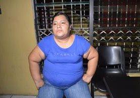 Helen Ivonne de la Cruz Ramírez es sindicada de hurto agravado, por equipo robado en el hospital de Retalhuleu. (Foto Prensa Libre: Jorge Tizol)