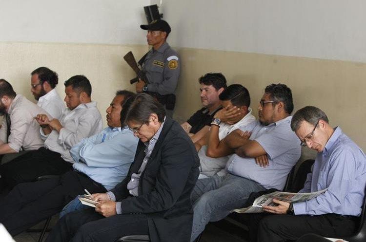 Sindicados en el caso Construcción y Corrupción durante el desarrollo de la audiencia de primera declaración. (Foto Prensa Libre: Paulo Raquec)