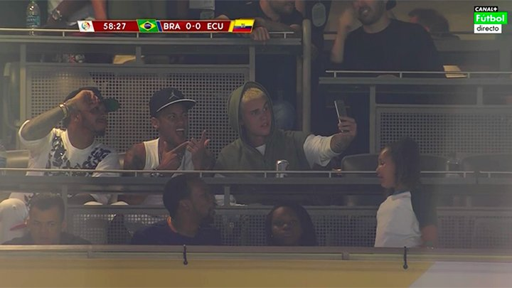 Las selfies entre Bieber, Ney y Hamilton no podían faltar.
