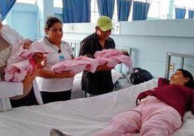 Las trillizas nacieron en el Hospital Regional de Cuilapa. (Foto Prensa Libre: Oswaldo Cardona)
